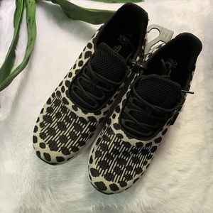 Brand New athletic works Snow Leopard Sneaker